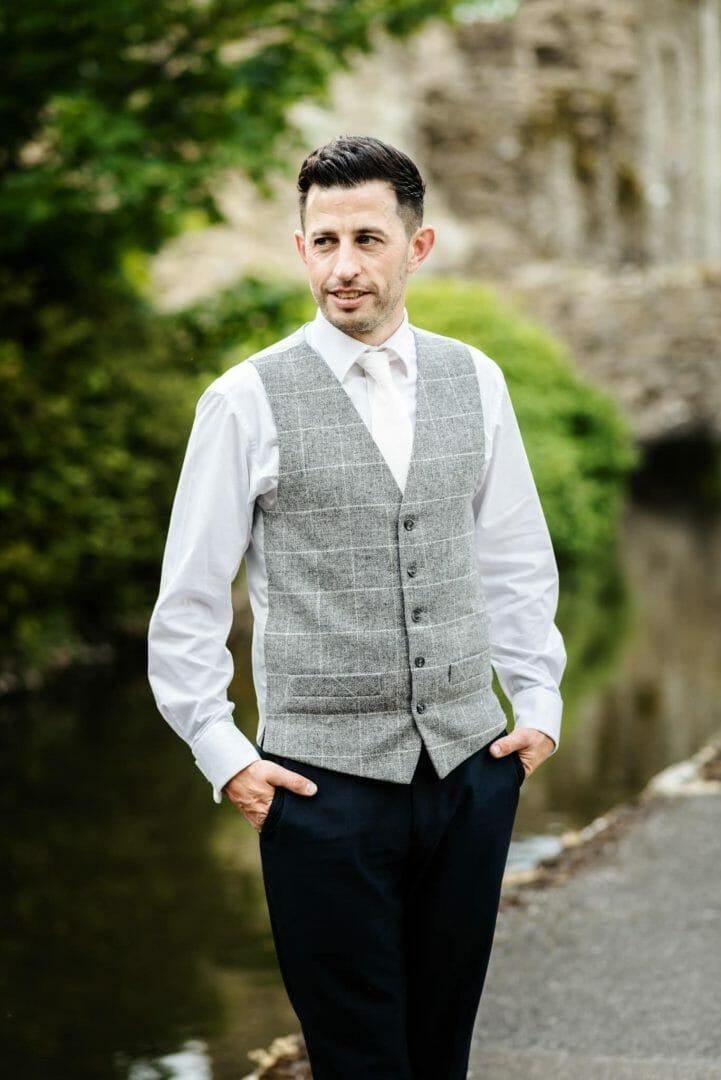 Groom poses in tweet waistcoat